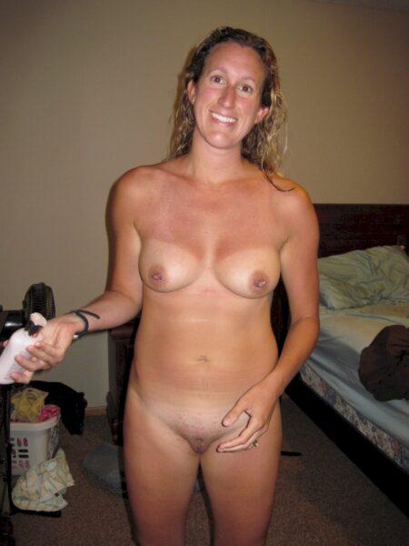 Femme cougar sexy soumise pour libertin qui aime la domination de temps à autre dispo