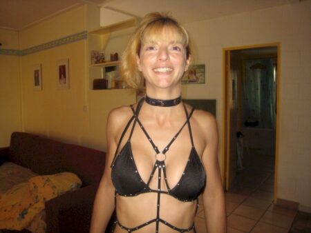 Très jolie femme salope recherche unevraie rencontre sexy